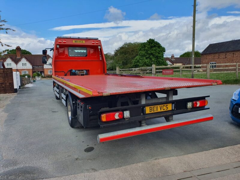 Tilt and slide flatbed recovery truck for sale